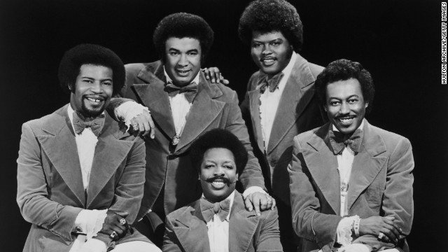 "Bobbie Smith, who as a member of the Spinners sang lead on such hits as ""I'll Be Around"" and ""Could It Be I'm Falling in Love,"" died on March 16 at age 76. Pictured clockwise from left, Spinners band member Pervis Jackson, Billy Henderson, Jonathan Edwards, Bobbie Smith and Henry Fambrough, 1977."